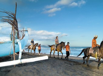 ayung river horse riding