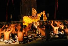 タナロット寺院 ケチャダンス